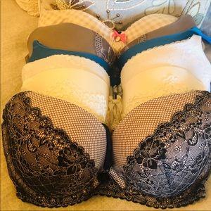 Victoria's Secret bras 34DD (6 bras)